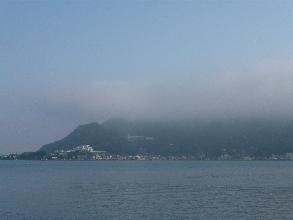 今朝の内浦湾