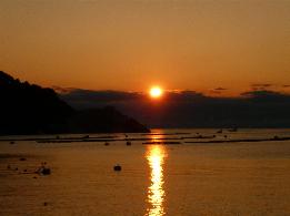 淡島に沈む夕陽